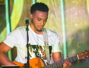 "Jonathan McReynolds releases anticipated album,""Make Room"""